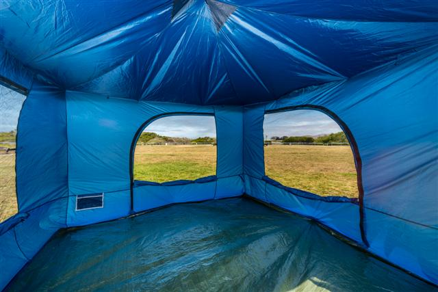 Blue 100 interior & Standing Room Tents - TheHall.Net